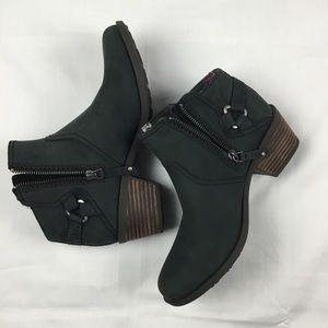 Teva Foxy Low Waterproof Leather Boots NWOT